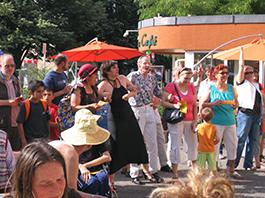 Feiern und Tanzen im Mai zum Berliner Fest 2008